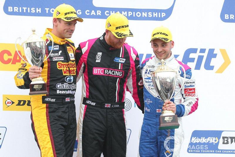 Podium: race winner Josh Cook, BTC Racing Honda Civic, second place Jake Hill, Trade Price Cars Audi, third place Tom Chilton, Motorbase Performance Ford Focus