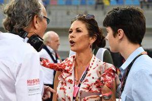 Mansour Ojjeh, co-owner, McLaren, with actress Catherine Zeta Jones