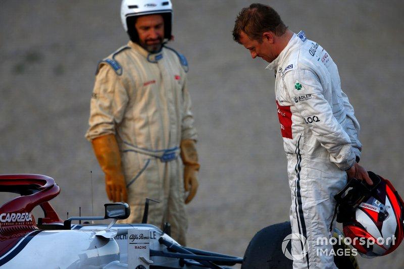 Kimi Raikkonen, Alfa Romeo Racing C38, dopo lo stop in pista