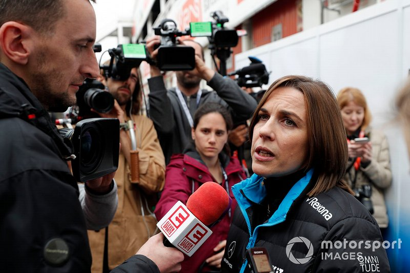 Claire Williams, Vice Team Principal Williams parla con i media
