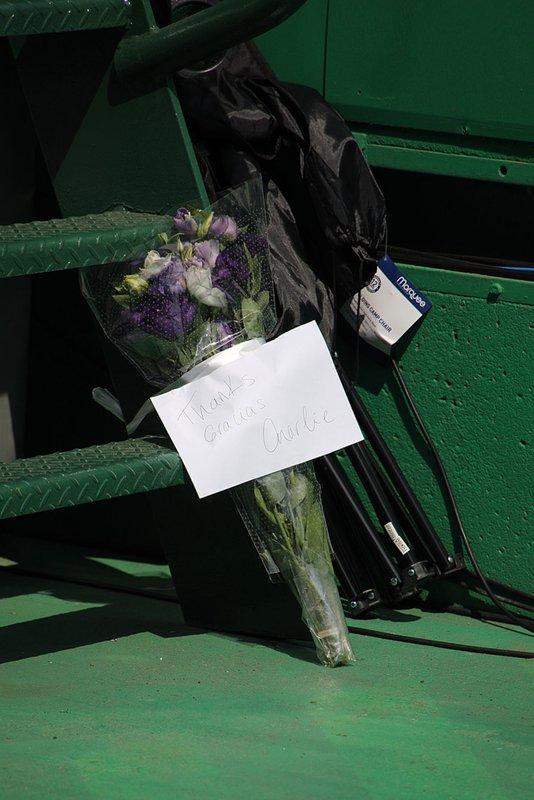 Charlie Whiting'in anısına çiçekler
