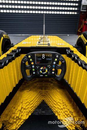 Lego Renault R.S.17, detalle del habitáculo