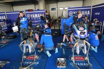 Alex Lowes, Pata Yamaha' garage