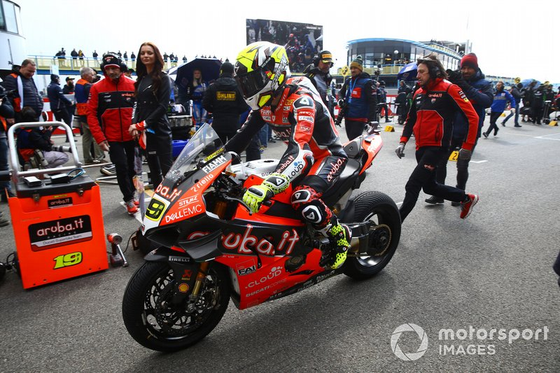 Alvaro Bautista, Aruba.it Racing-Ducati Team arrives on the grid