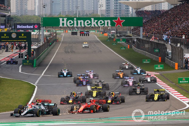 Valtteri Bottas, Mercedes AMG W10, leads Charles Leclerc, Ferrari SF90, Sebastian Vettel, Ferrari SF90, Max Verstappen, Red Bull Racing RB15, Pierre Gasly, Red Bull Racing RB15, Daniel Ricciardo, Renault F1 Team R.S.19, Nico Hulkenberg, Renault F1 Team R.S. 19, and the remainder of the field at the start