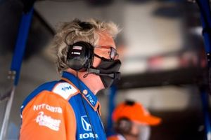 Scott Dixon, Chip Ganassi Racing Honda engineer Michael CannonJosef Newgarden, Team Penske Chevrolet, podium