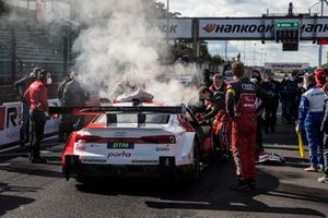 Smoke at the car René Rast, Audi Sport Team Rosberg
