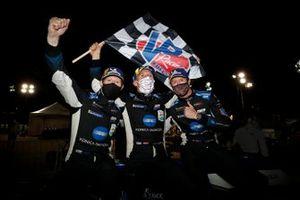 Il vincitore #10 Konica Minolta Cadillac DPi-V.R. Cadillac DPi, DPi: Renger Van Der Zande, Ryan Briscoe, Scott Dixon