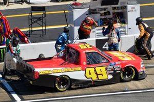 Ray Ciccarelli, CMI Motorsports, Chevrolet Silverado CMI Motorsports pit stop