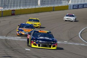 William Byron, Hendrick Motorsports, Chevrolet Camaro Axalta, Chris Buescher, Roush Fenway Racing, Ford Mustang SunnyD