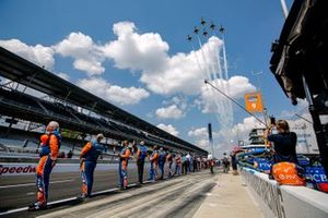 Flyover in the Scott Dixon, Chip Ganassi Racing Honda pit stall
