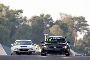 Dylan O'Keeffe, Vukovic Motorsport Renault Megane RS, Mikel Azcona, Zeng? Motorsport Services KFT CUPRA León Competición TCR