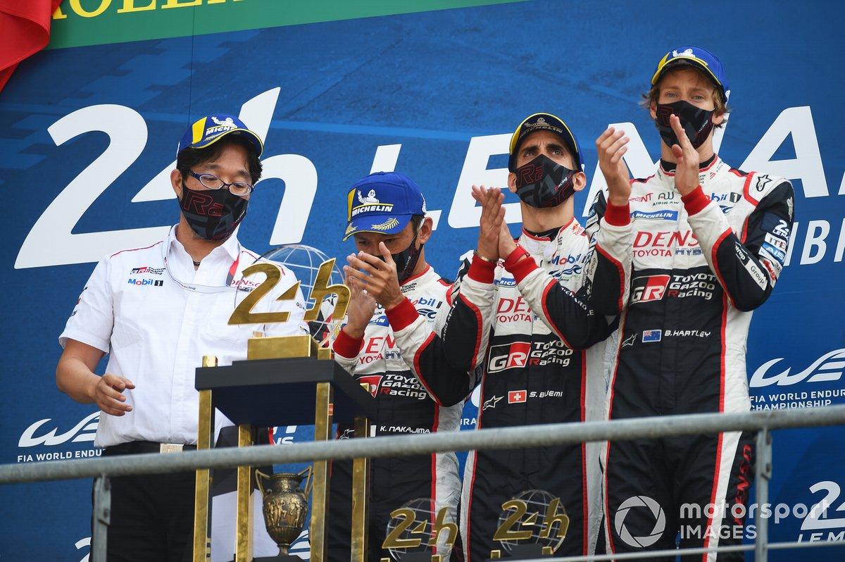 Podio: ganadores #8 Toyota Gazoo Racing Toyota TS050: Sebastien Buemi, Kazuki Nakajima, Brendon Hartley