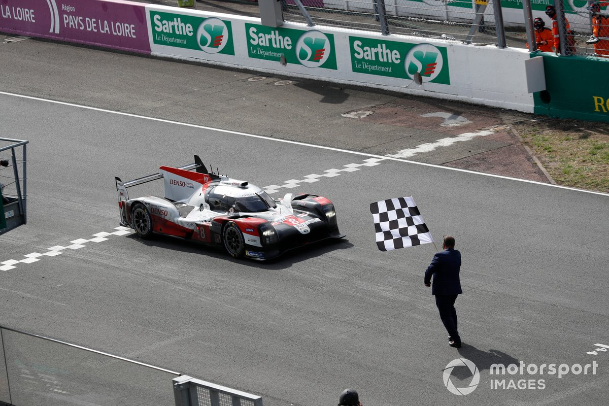 Los ganadores: #8 Toyota Gazoo Racing Toyota TS050: Sébastien Buemi, Kazuki Nakajima, Brendon Hartley