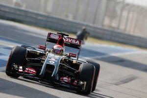 Pastor Maldonado, Lotus E22
