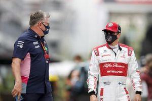 Otmar Szafnauer, Team Principal and CEO, Racing Point and Kimi Raikkonen, Alfa Romeo