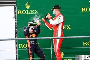 Yuki Tsunoda, Carlin, 1st position, and Mick Schumacher, Prema Racing, 3rd position