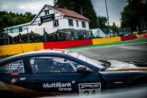 #34 Walkenhorst Motorsport BMW M6 GT3: Sheldon van der Linde, Marco Wittmann, David Pittard
