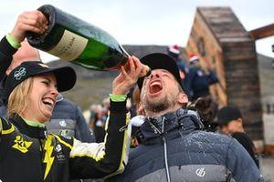 Mikaela Ahlin-Kottulinsky, with Jenson Button of JBXE Extreme-E Team