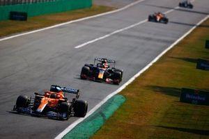Даниэль Риккардо, McLaren MCL35M, Макс Ферстаппен, Red Bull Racing RB16B