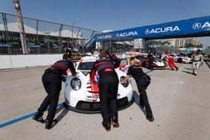 #79: WeatherTech Racing Porsche 911 RSR - 19, GTLM: Cooper MacNeil, Mathieu Jaminet