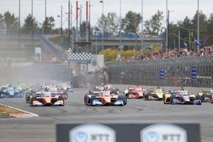 Start zum Grand Prix von Portland der IndyCar-Saison 2021: Alex Palou, Chip Ganassi Racing Honda, führt