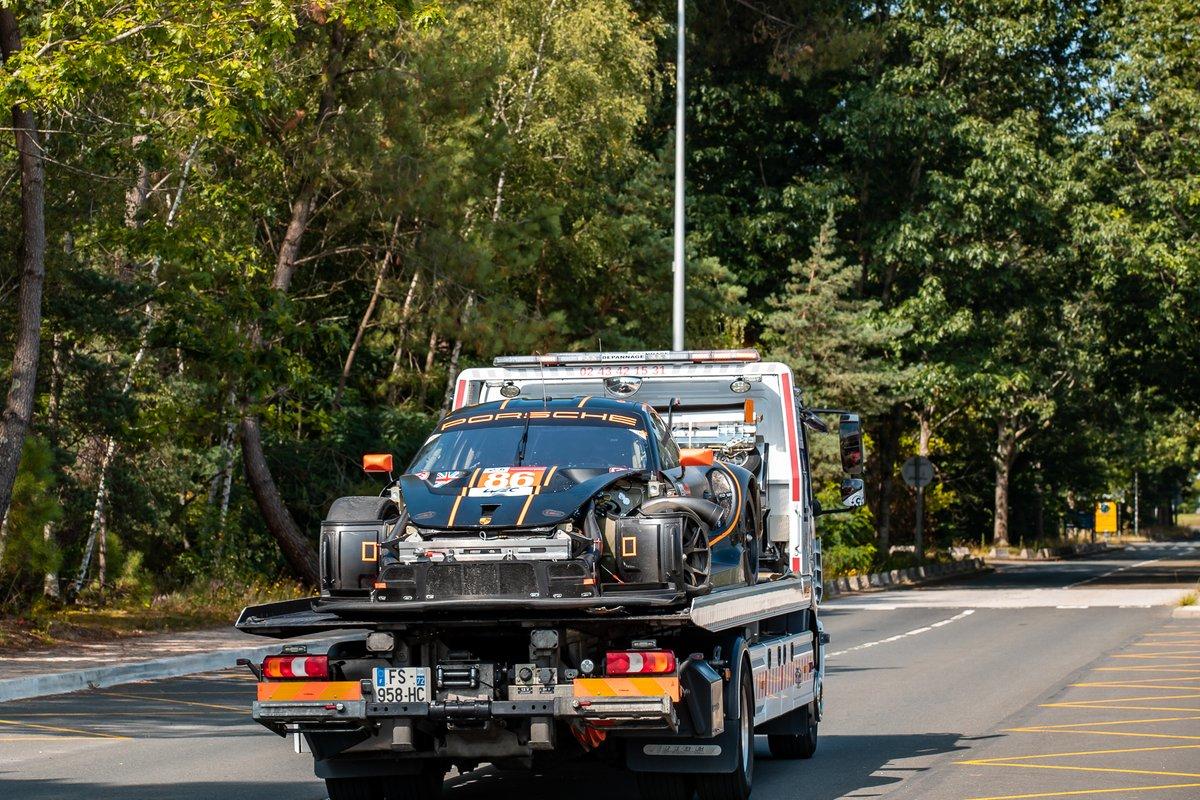 #86 GR Racing Porsche 911 RSR - 19 LMGTE Am, Michael Wainwright, Benjamin Barker, Tom Gamble, tras el accidente