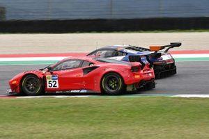 #52 AF Corse, Ferrari 488 GT3 Evo: Hugo Delacour, Cédric Sbirrazzuoli