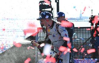 Sébastien Buemi, Nissan e.Dams fête la victoire