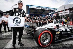 Pole Award winner Simon Pagenaud, Team Penske Chevrolet