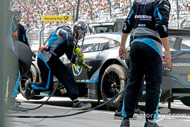 Pit stop, Ferdinand Habsburg, R-Motorsport, Aston Martin Vantage AMR