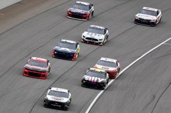 Kevin Harvick, Stewart-Haas Racing, Ford Mustang Jimmy John's, Jimmie Johnson, Hendrick Motorsports, Chevrolet Camaro Ally