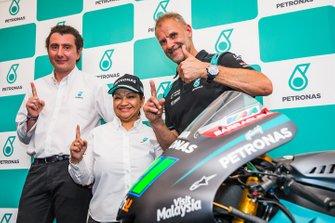 Noor Afiza Mohd Yusof, Dr Andrea Dolfi and Wilco Zeelenberg, Petronas Yamaha SRT Team Manager