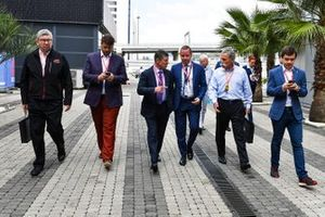 Ross Brawn, Managing Director of Motorsports, FOM, Alexy Titov, Executive Director, Rosgonki, Dmitry Kozak, Deputy Prime Minister of Russian Federation, Chase Carey, Chairman, Formula 1, and Sergey Vorobyev, Deputy General Director, OJSC Center Omega and Russian Grand Prix Promoter