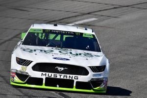 Clint Bowyer, Stewart-Haas Racing, Ford Mustang CSU / One Cure