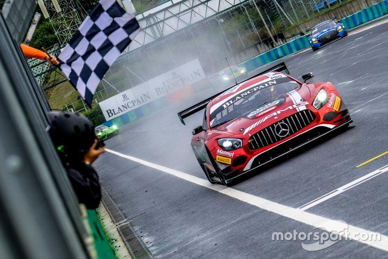 Ganador #88 Akka ASP Team Mercedes-AMG GT3: Vincent Abril, Raffaele Marciello