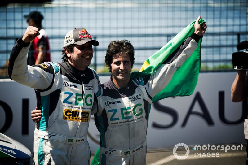 Race winner Sérgio Jimenez, Jaguar Brazil Racing celebrates with teammate Cacá Bueno, Jaguar Brazil Racing, 2nd position, in parc ferme