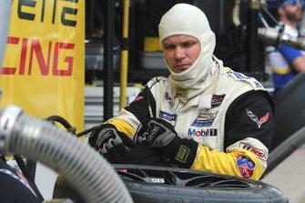 Un membro della crew della Corvette Racing