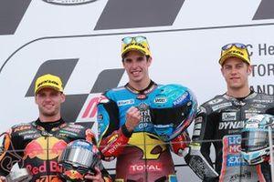Podium : le vainqueur Alex Marquez, Marc VDS Racing, le deuxième Brad Binder, KTM Ajo, le troisième Marcel Schrotter, Intact GP