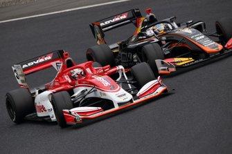 Кента Ямасита, Kondō Racing, и Хироаки Исиура, JMS P.mu/cerumo・INGING