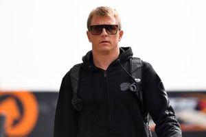 Kimi Raikkonen, Alfa Romeo Racing in the paddock