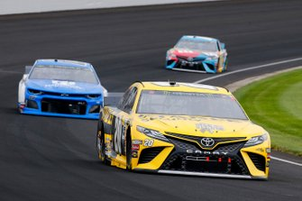 Erik Jones, Joe Gibbs Racing, Toyota Camry STANLEY and Alex Bowman, Hendrick Motorsports, Chevrolet Camaro Nationwide