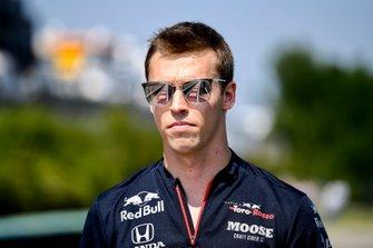 Daniil Kvyat, Toro Rosso, fait une reconnaissance de la piste