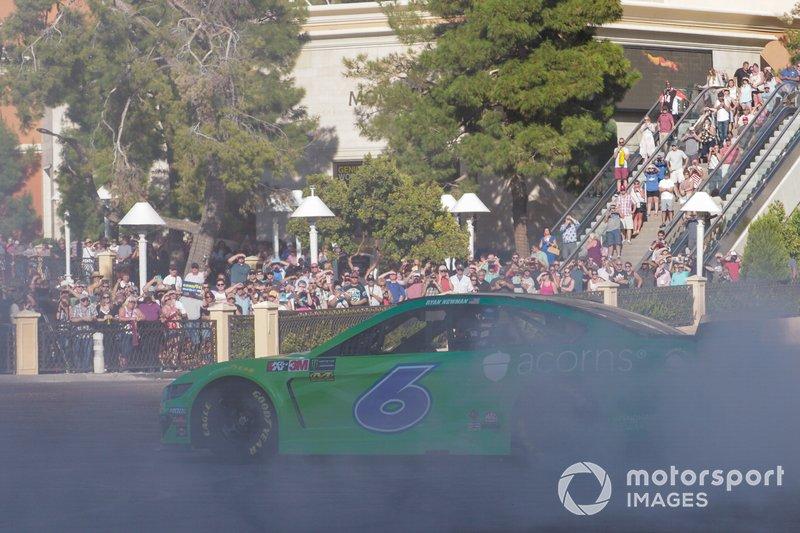 Ryan Newman, Roush Fenway Racing, Ford Mustang Acorns