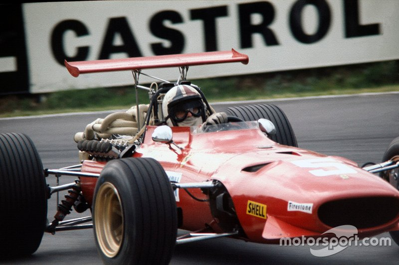 Пятничные сессии прошли с очевидным превосходством Ferrari – Крис Эймон, получив «крылатую» машину, проехал по тогда еще 15-километровому кольцу на 3,7 секунды быстрее ближайшего соперника, Джеки Стюарта на Matra