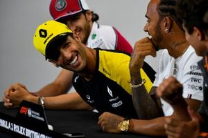 Daniel Ricciardo, Renault F1 Team laughing in the Press Conference