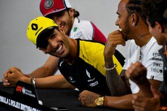 Daniel Ricciardo, Renault F1 Team laughing in the Press Conference