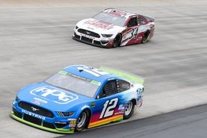 Ryan Blaney, Team Penske, Ford Mustang PPG, Michael McDowell, Front Row Motorsports, Ford Mustang The Pete Store