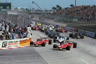 Gilles Villeneuve, Ferrari 312T4 leads at the start