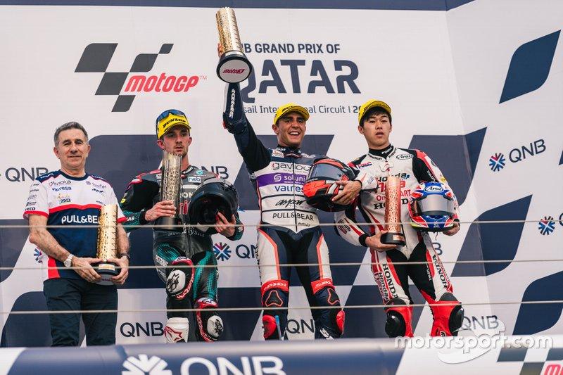 Podio: Il vincitore Albert Arenas, Aspar Team, secondo posto John McPhee, SIC Racing Team, terzo posto Ai Ogura, Honda Team Asia